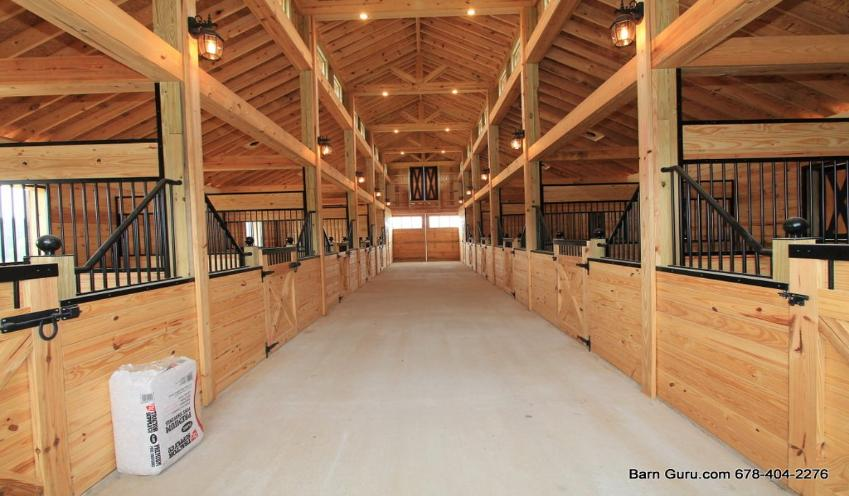 Barn plans 10 stall horse barn design floor plan for Horse barn plans and prices